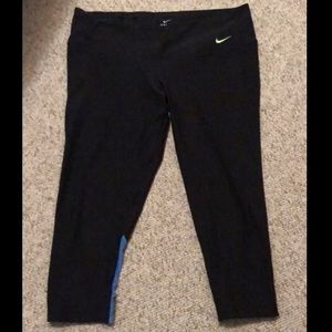 Nike Dry-Fit crop legging size L